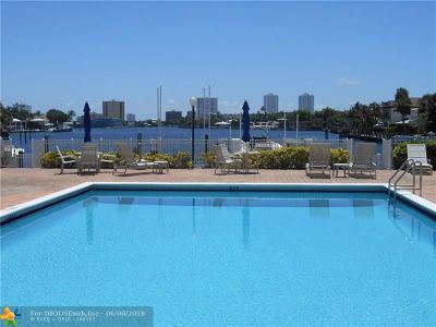 Pompano Beach Condo/Townhouse For Sale: 740 S Federal Hwy #611