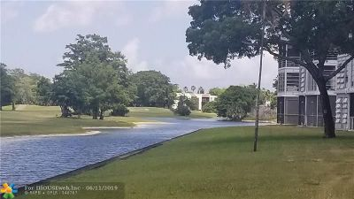Tamarac Condo/Townhouse For Sale: 8105 NW 61st St #A207