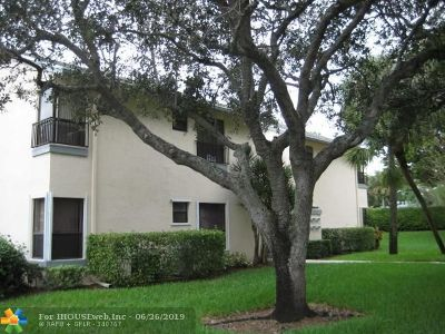 Coconut Creek Condo/Townhouse For Sale: 3543 NW 35th St #3543