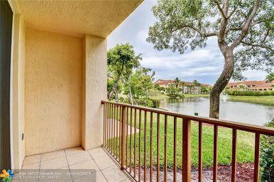 Boynton Beach Condo/Townhouse For Sale: 704 Villa Cir #704