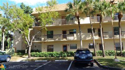 Tamarac Condo/Townhouse For Sale: 6095 N Sabal Palm Blvd #308