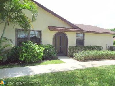 Boca Raton Condo/Townhouse For Sale: 23461 Barlake Dr #23461