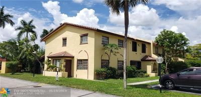 Lauderdale Lakes Condo/Townhouse For Sale: 2601 NW 47th Lane #3301