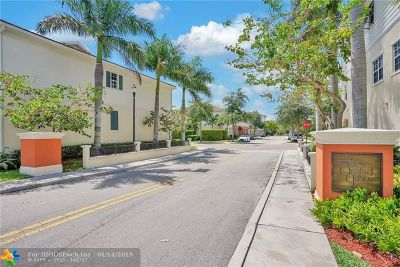 Pompano Beach Condo/Townhouse For Sale: 708 SW 2nd Ave #708