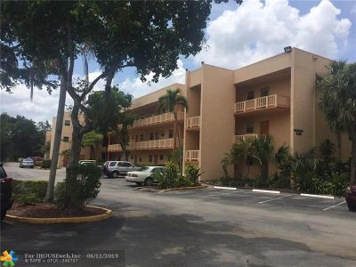 Tamarac Condo/Townhouse For Sale: 8400 Lagos De Campo Blvd #310