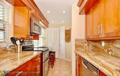 Pompano Beach Condo/Townhouse For Sale: 710 N Ocean Blvd #1001