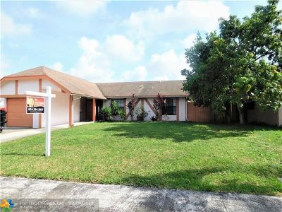 North Lauderdale Single Family Home For Sale: 7523 SW 7th Pl