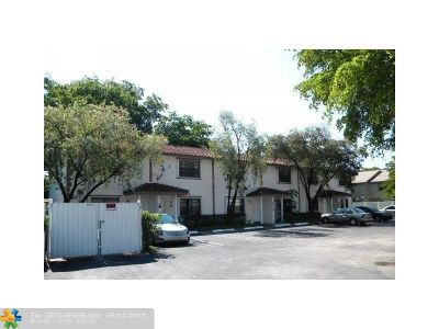 Coral Springs Condo/Townhouse For Sale: 11614 NW 35th Ct #B-2