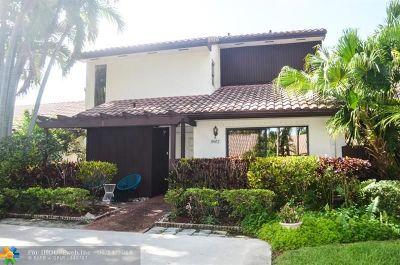 Boca Raton Condo/Townhouse For Sale: 6682 Tiburon Cir