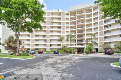 Pompano Beach Condo/Townhouse For Sale: 3090 N Course Dr #104