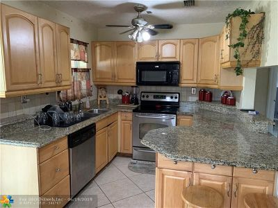 Margate Single Family Home For Sale: 2606 NW 63rd Ave