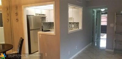 Lauderdale Lakes Condo/Townhouse For Sale