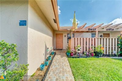 Sunrise Condo/Townhouse For Sale: 10923 NW 29th Ct #1