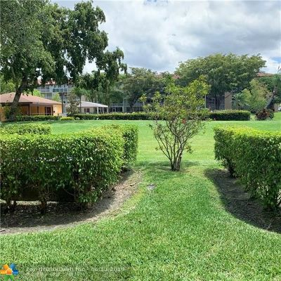 Pembroke Pines Condo/Townhouse For Sale: 13250 SW 7th Ct #108L