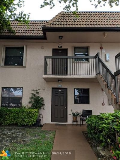 Pembroke Pines Condo/Townhouse For Sale: 972 NW 106th Ter #205