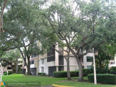 Plantation Condo/Townhouse For Sale: 6800 Cypress Rd #501
