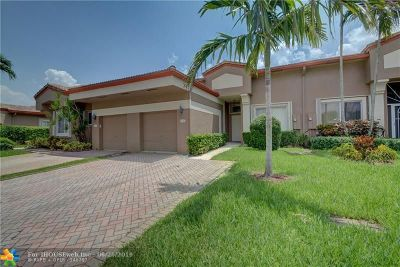 Tamarac FL Condo/Townhouse For Sale: $274,900