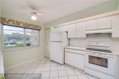Pembroke Pines Condo/Townhouse For Sale: 300 SW 130th Ter #109 B