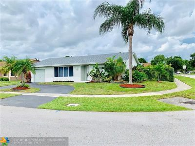 Lauderhill Single Family Home For Sale: 8501 NW 53rd St