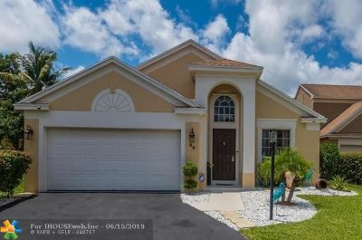 Boynton Beach Single Family Home For Sale: 39 Teal Way