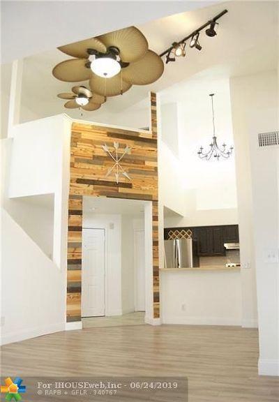 Delray Beach Condo/Townhouse For Sale: 1705 Palm Cove Blvd #306