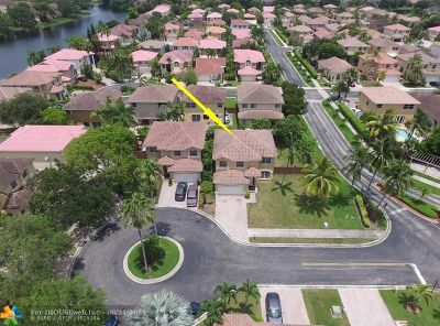 Pembroke Pines Single Family Home For Sale: 2101 NW 100th Ave