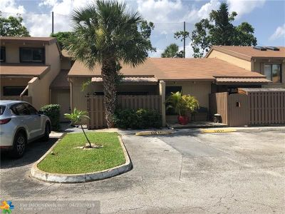 Davie Condo/Townhouse For Sale: 8177 SW 24th St #8177
