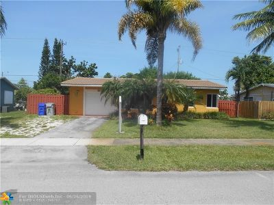 Broward County, Palm Beach County Single Family Home For Sale: 2710 NE 8th Ter