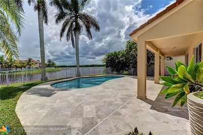 Weston Single Family Home For Sale: 1466 Meadows Bl