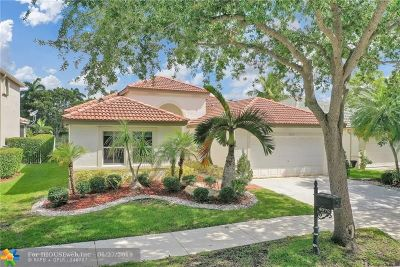 Weston Single Family Home For Sale: 4072 Pinewood Ln