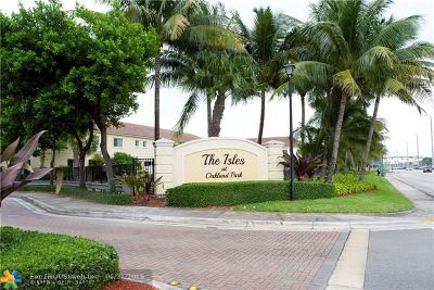 Oakland Park Condo/Townhouse For Sale: 3181 NW 33rd St #3181