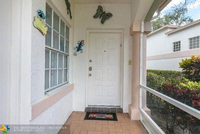 Boca Raton Condo/Townhouse For Sale: 9091 Boca Gardens Cir #D