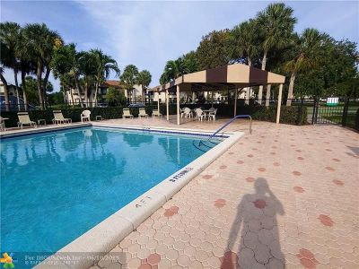 Davie Condo/Townhouse For Sale: 9300 SW 23rd St #3903