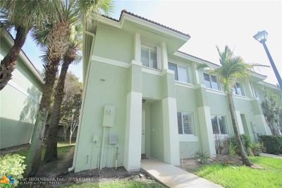 Hollywood Condo/Townhouse For Sale: 127 Hidden Court Rd #14-C