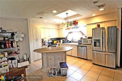 Miramar Single Family Home For Sale: 7801 Shalimar St