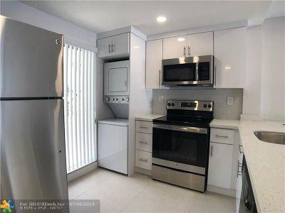 Rental For Rent: 601 N Rio Vista Blvd #312
