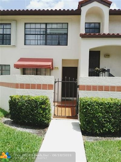Deerfield Condo/Townhouse For Sale: 805 Freedom Ct #805