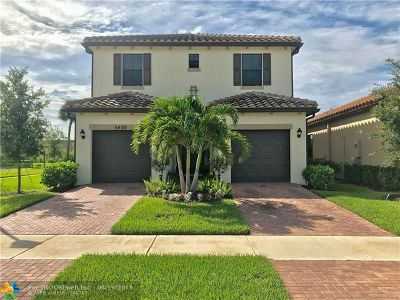 Tamarac Single Family Home For Sale: 5400 NW 48th Ln