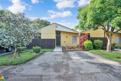 Boca Raton Condo/Townhouse For Sale: 11557 Orange Blossom Ln #11557