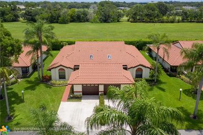Boynton Beach Condo/Townhouse For Sale: 10654 Beach Palm Ct #A