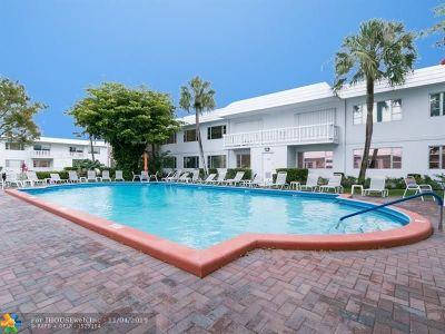 Pompano Beach Condo/Townhouse For Sale: 412 S Cypress Rd #224