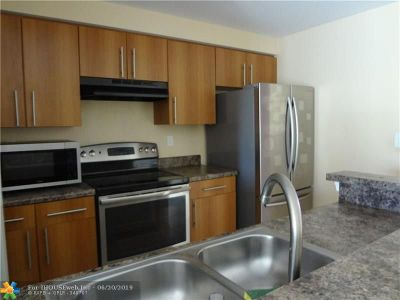 Coral Springs Rental For Rent: 5860 W Sample Rd #302