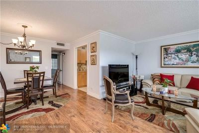 Pembroke Pines Condo/Townhouse For Sale: 301 SW 135th Ave #203 C