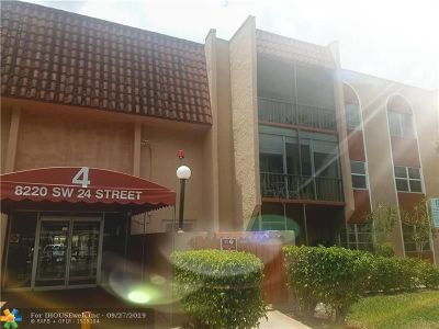 North Lauderdale Condo/Townhouse For Sale: 8220 SW 24th St #4306