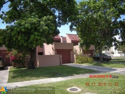 Lauderhill Condo/Townhouse For Sale: 5604 NW 18th St #5604