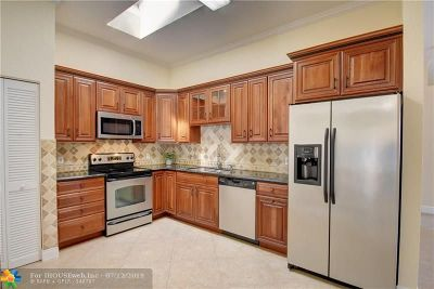 Coral Springs Single Family Home For Sale: 3926 NW 88th Ter