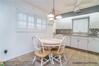 Coconut Creek Condo/Townhouse For Sale: 1606 Abaco Dr #A4