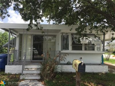 Davie Single Family Home For Sale: 8601 SW 17th St