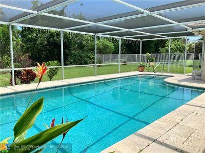 Boca Raton Single Family Home For Sale: 380 NE 3rd Ct