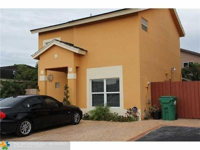 Miami Single Family Home For Sale: 5218 NW 187th St